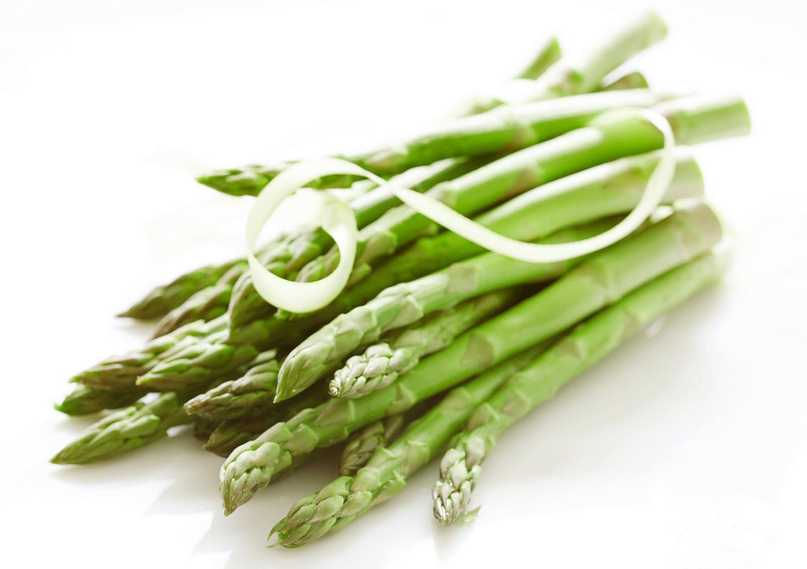 Asparagi: 10 proprietà e benefici