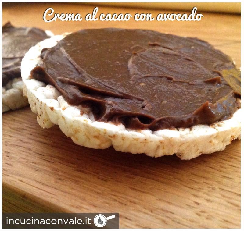 Crema al cacao con avocado