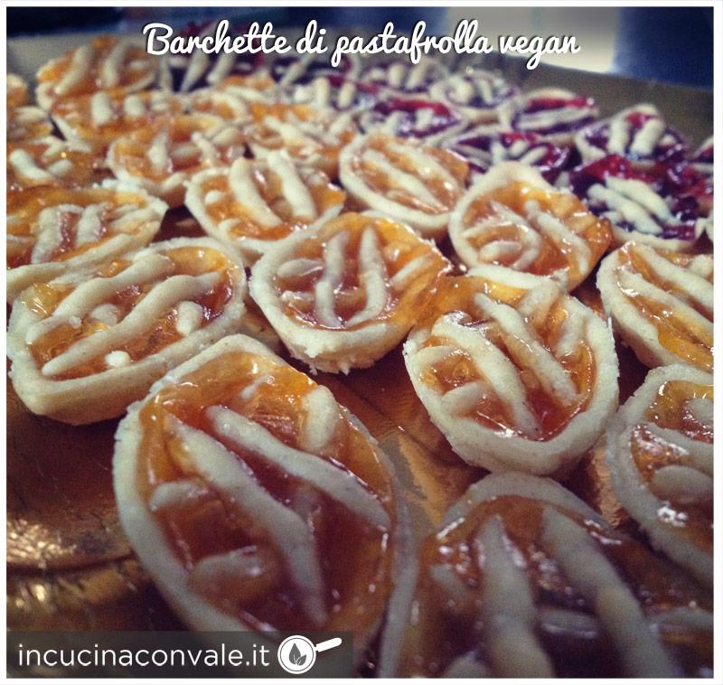 Barchette con pasta frolla vegan senza uova, senza latte, senza burro