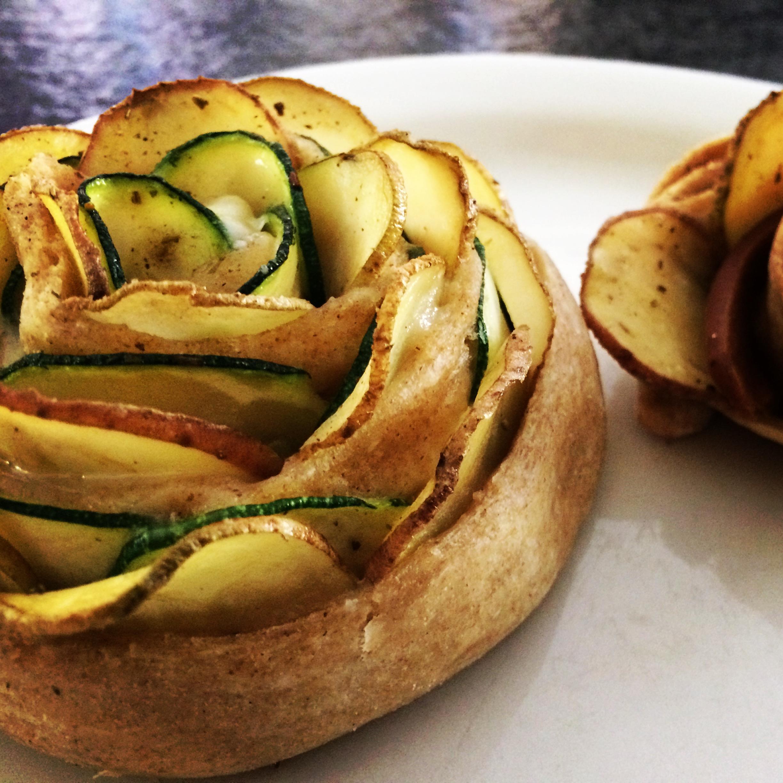 Roselline vegan di pane con patate e zucchine